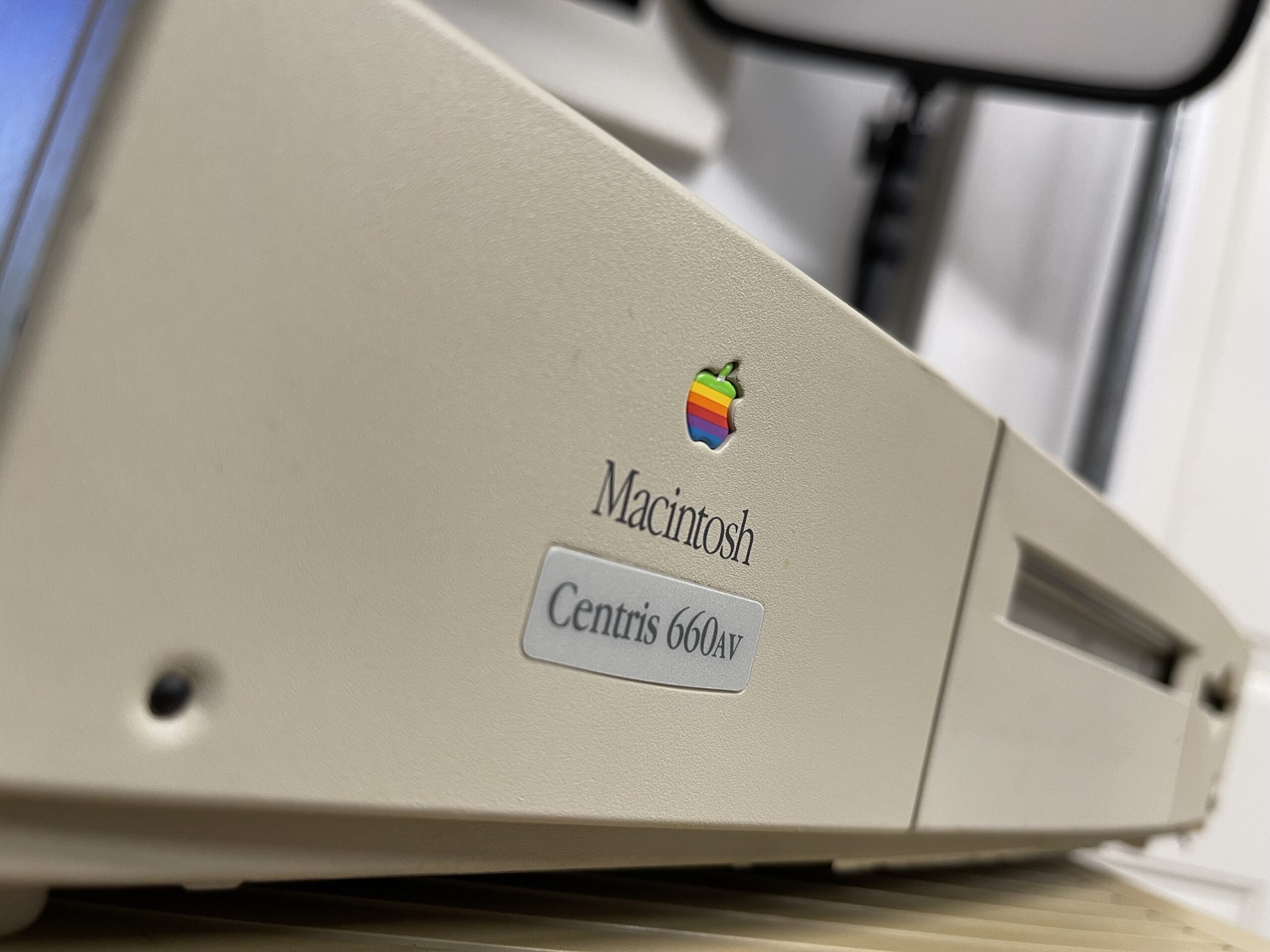 Macintosh Centris 660AV